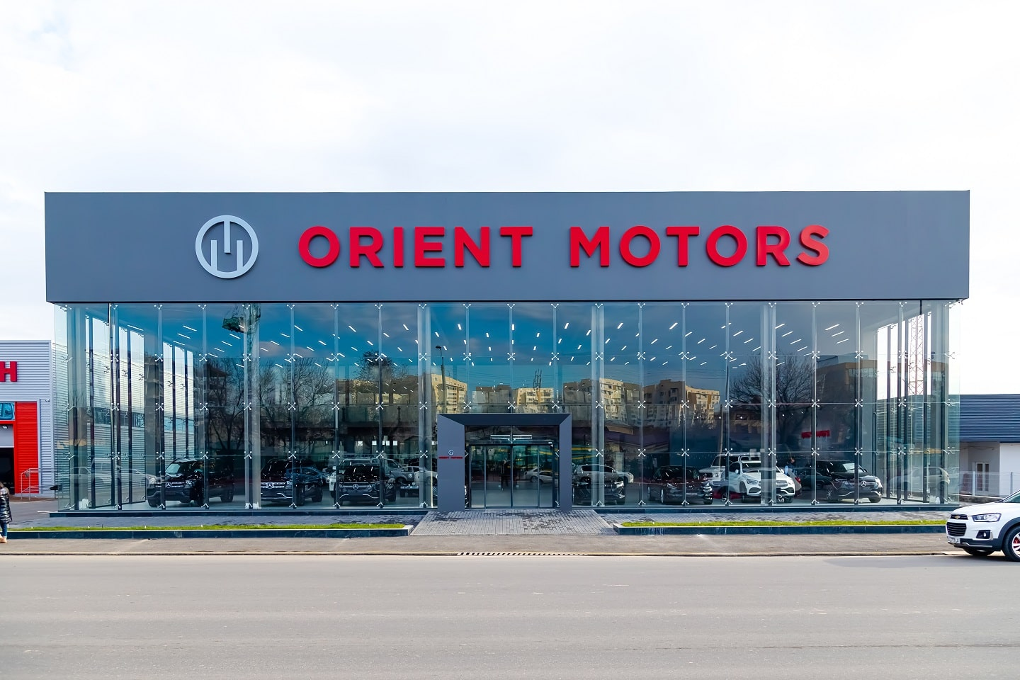 Orient-Motors-new-branch-exterior3
